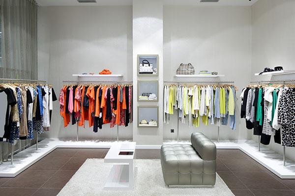 Aprire negozio di abbigliamento come fare arredamento e for Negozi design online